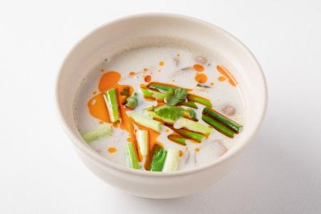 トムカー・クン  海老の甘酸っぱいココナッツスープ